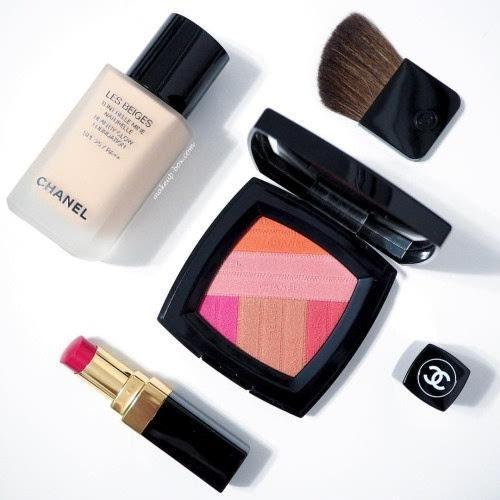 <b>过期的化妆品还能用吗 保质期一般是多久?</b>
