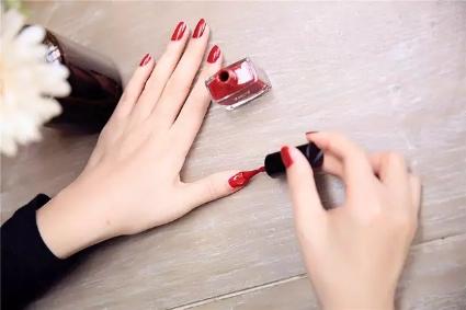 广州化妆品代加工告诉你:化妆品使用的小妙招!